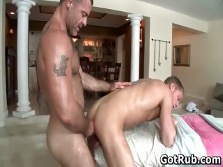 Dude here perfect body gets gay rubbing