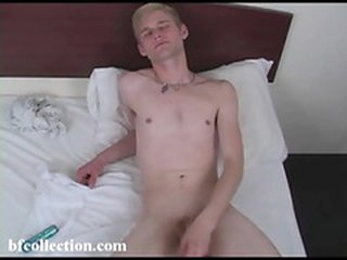 Hammer away sexy twink uses lube to make his cock slippery