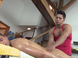 Hunk is getting a hard boner from gay masseur touch